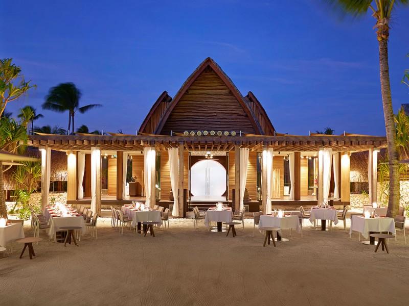 BRANDO_Restaurant-BeachDining-twilight-1